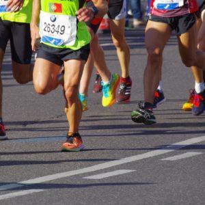 Marathoni Beine laufend